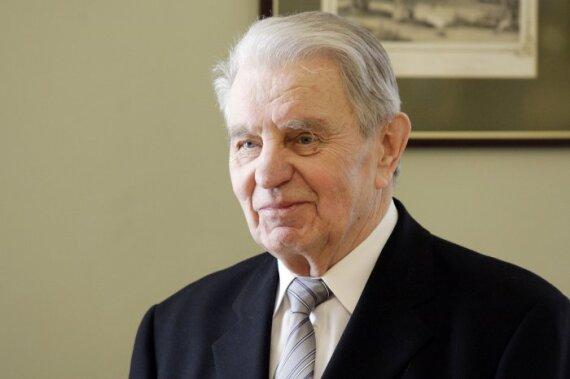 J.Marcinkevičiaus būklė - vėl sunki