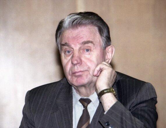 """J.Marcinkevičius: """"Dievo vabalėli, paimk mane į dangų su žeme"""""""