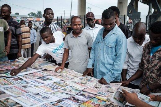 Vykstant dviejų Nigerijos valstijų gubernatorių rinkimams, balsuotojai baiminasi smurto