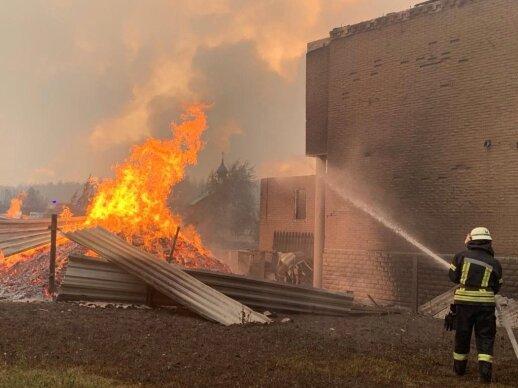 Ukrainos rytuose siaučia didžiulis gaisras: sudegė 110 namų, žuvo 5 žmonės