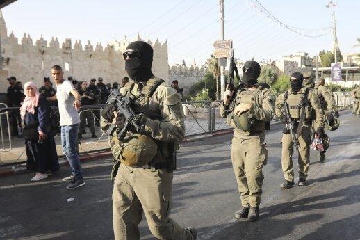 Izraelio kariškiai nušovė kelis ginkluotus palestiniečius