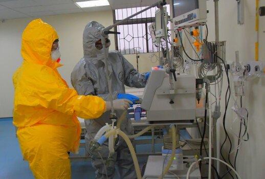 Indijoje nuspręsta, kad testai dėl koronaviruso turi būti atliekami nemokamai