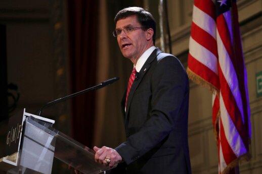 """JAV gynybos sekretorius subarė """"nemokamai važiuoti"""" norinčias NATO valstybes"""