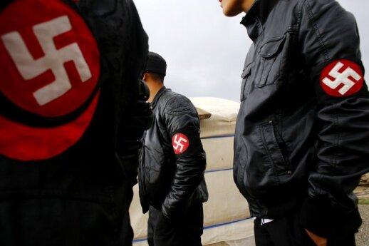 Rusijos parlamentarai ragina sušvelninti nacistinės simbolikos demonstravimo draudimą