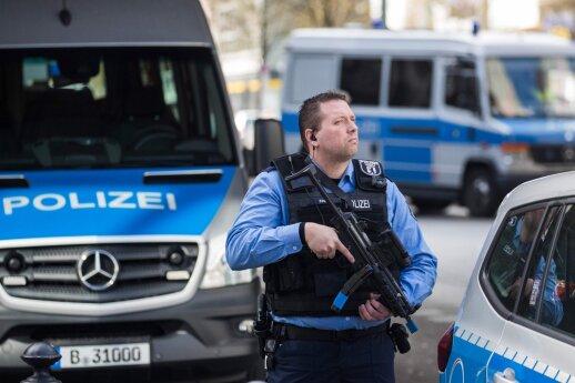 Vokietijoje traukinių stotyje mirtinai subadyti du žmonės