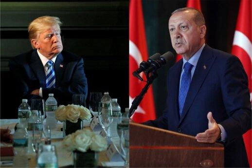 """Erdoganas tikisi su Trumpu aptarti """"Patriot"""" sistemos įsigijimo klausimą"""