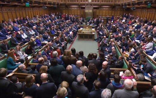 Naujai išrinktame Britanijos parlamente moterų skaičius sumušė istorinį rekordą