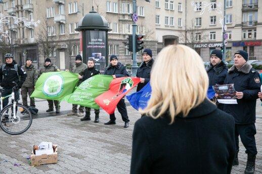Statutinių pareigūnų profsąjungų vadas: su Vyriausybe nesusitarta, numatomas protestas