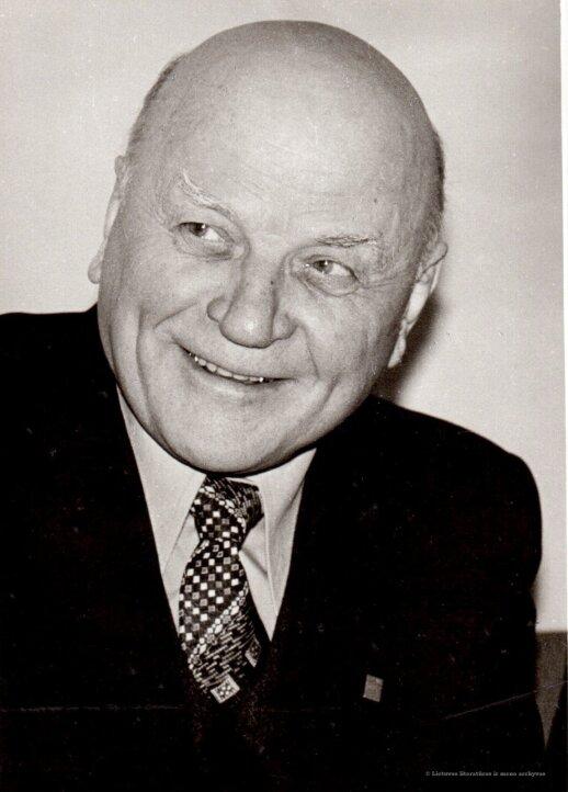 Juozo Baltušio dienoraščiai: mitingas prie Mickevičiaus paminklo ir reakcijos po jo spaudoje