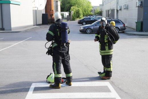 Darbą nuolatinio pavojaus sąlygomis valstybė vertina 500-700 eurų: net batus per didelius verčia nešioti
