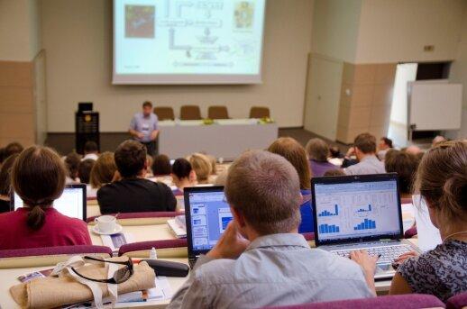ŠMM siūlo didinti stipendijas doktorantams