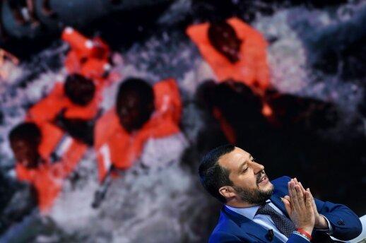 Salvini: visi Viduržemio jūroje išgelbėti migrantai privalo būti grąžinami į Libiją