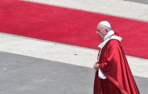 Popiežius Pranciškus šventuoju paskelbė į katalikybę atsivertusį anglikonų teologą Newmaną