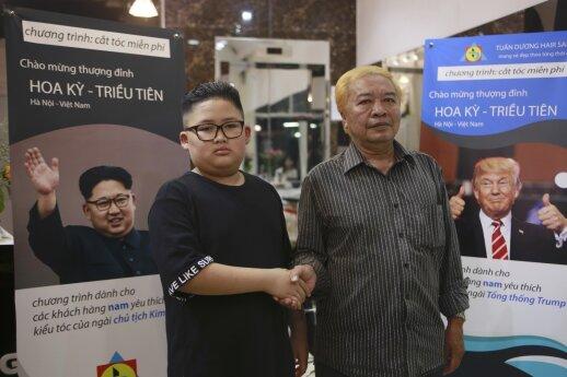 Kirpėjas Vietname siūlo nemokamas Trumpo ir Kim Jong Uno šukuosenas