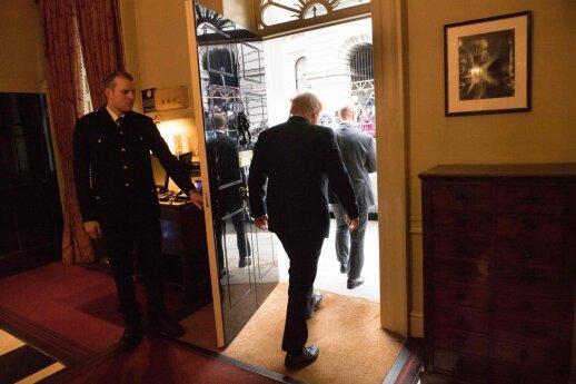 Grėsmė Jungtinės Karalystės vienybei: kai kurios sritys Johnsonui jau pasiuntė neramius signalus