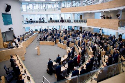 Valdantieji ketina visuomenei atverti Seimo vadovybės posėdžius