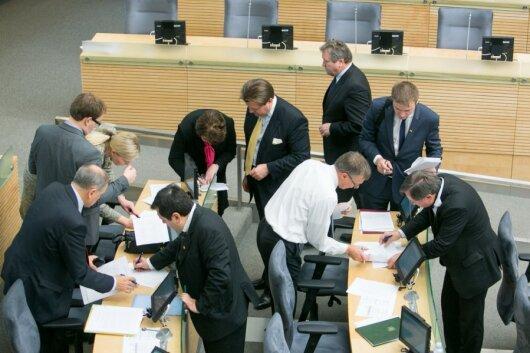 Politologai: naujame politiniame sezone galimos įvairios staigmenos